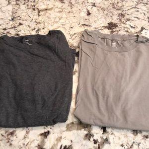 Gap Large T-shirt set in grays